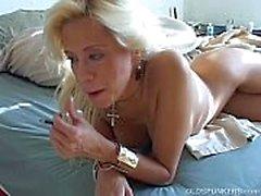 Super sexy blonde MILF Wünsche Sie waren fucking ihre saftige Pussy