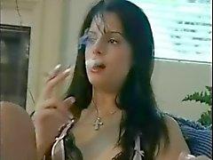 morena fumador