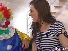 Cum ingannare MILF britannici pazzi con clown