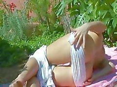 Petite russisch chick dildoing haar kut