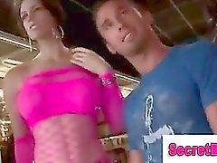 Девушки обман прямо парня в веселого минетов в Gloryhole