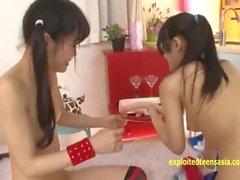 Rina Hatsume Ichigo Aoi esplorare gli altri con i dildi e le dita