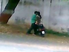 Лиари Карачи Пакистан стороне дороги Секс Caught с мобильного