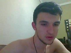 Grekisk vacker pojke med fin kuk och röv på cam