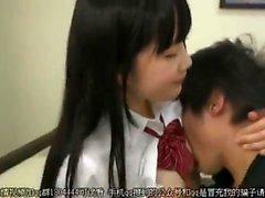 Japanische Teen Blowjob Dick im Aufzug