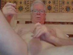 accidente cerebrovascular abuelo y jugar en la webcam