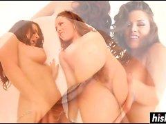 Eva ja Kristina jakavat peckerin