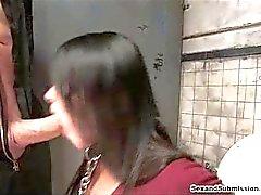 Banheiro sujo gozada