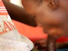 Amatoriale Giovani africana e il suo amico cockhungry
