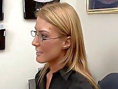 Jogos Lesbian no escritório de