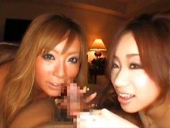 Trío con 2 japonesa atractiva
