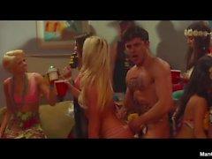 Zac Efron Nackt Ass und sexy Videos