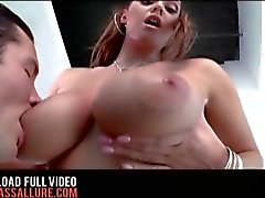 Grande do Tits 36F Alison de Tyler gordo burro de