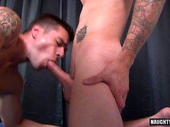 Cumshot ile büyük dick eşcinsel flip flop