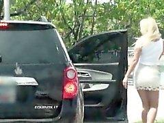 Adolescentes de aficionados de Tucker Starr follan por extraño en el backseat