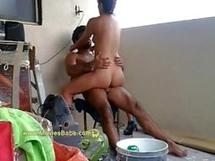 Indian Desi Paar hart gefickt In Balkon