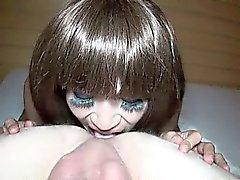 Transexuelle méchant suce et baise