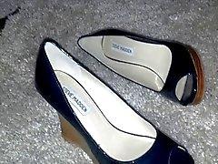 Kinky Shoe Fun (1)