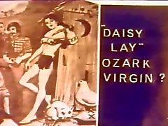 Daisy Lay в Ozark Дева 1 975