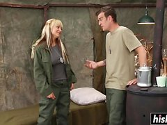 Briana Blair ottiene la sua figa penetrata