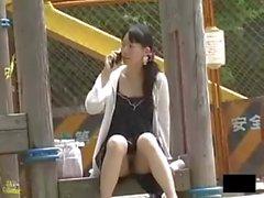 Jóvenes chicas japonesas sin bragas