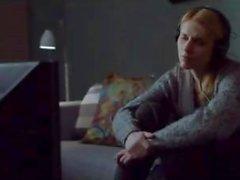 Tette calde Morena Baccarin e culo di le scene di sesso