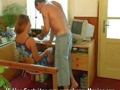 Милая Управление леди знают, как угодить ее босса .