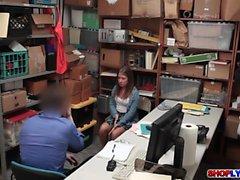 Для подростков Shoplifter Брука Блаженство трахается в офис