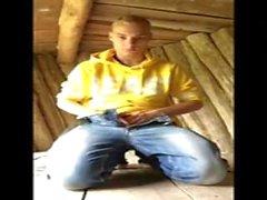 Tanskan Blond Gay poika ( Kasper ) ja leikkii Kukko Luonnossa ( Shelter )