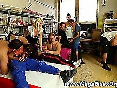 Zimmerleute zu bekommen bj Gruppen Orgie