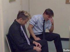 Seductively homofile Brad i Benton , Camden Christian suga kuk och knullar