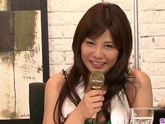 Karen Natsuhara älskar en stor kuk kvävning henne