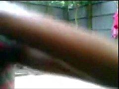 Бангладешских мальчишка N девушка ебля по открытая ванна