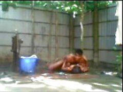 Bangladeshi boy n girl Fucking Outdoor Bath