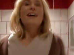 Czech Sona si è I pugni in pubblico Restroom