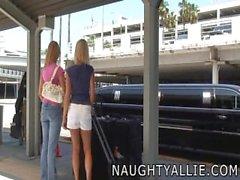Naughty Allie - Paseo en limosina de intercambio de esperma