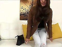 Sexyl Dominika ajanını dökülerek fucked hard onu kedi alır