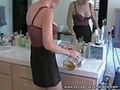 Nervous Wife Spelar Sexspelet