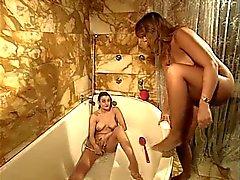 con pugni bagno