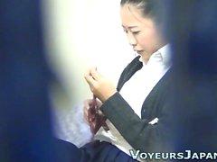 Aasian teini melkein pyydettyjen