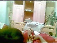egyptian Teen saugt und fickt