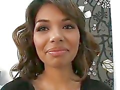 Estrella Flores eerste keer ooit op camera