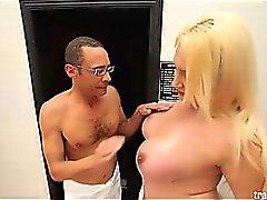 Excitée Jessica Villarreal faut au sexe hardcore Ramón !