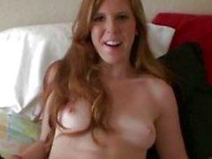 Redhead tyttöystävä on sokkona seksiä
