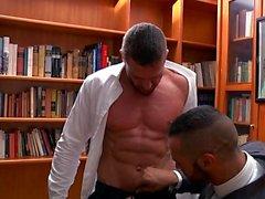 Мышцы гей фетиш и Сперма