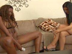 lezbiyenler üzerinde hotclara- lezbiyen çift görmek yapay penis ile oynamak