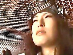 Sexig asiatisk fängelset bunden och blir hennes cunny splittring den