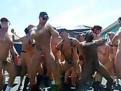 Dancing Обнаженные в общественной