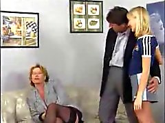 skandal bei der familie # 8 - Deutsch - von kira red - Kern b $ r