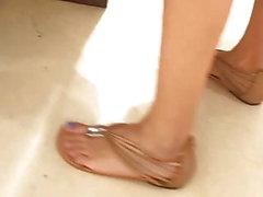 samimi genç seksi ayaklar doğrultusunda mavi ayak